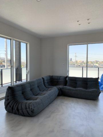 2階のソファー納品